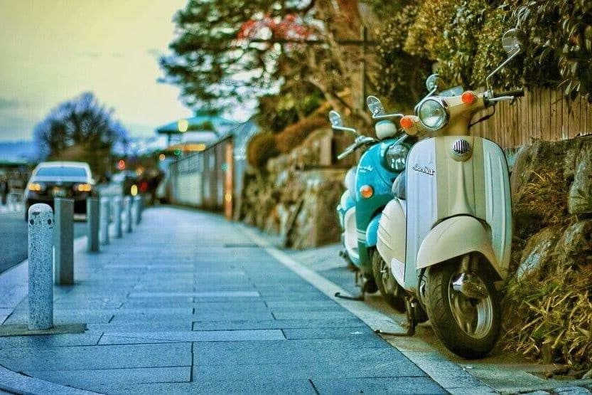 do you need a motorcycle license to drive a scooter