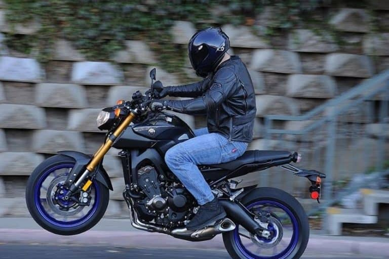 Yamaha FZ-09 Specs and Reviews