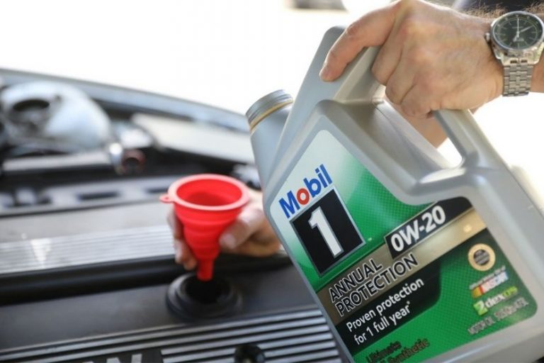 Amsoil Vs. Mobil 1 [Which is the Better Engine Oil?]