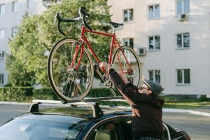 Read more about the article Thule Vs Yakima [Which to Choose for a Bike Rack or Roof Box?]