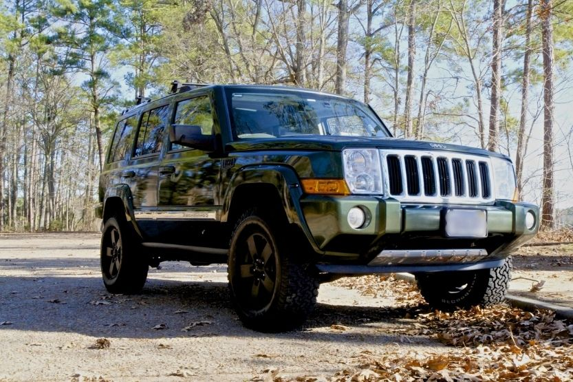 Lifted Jeep Commander [Body, Suspension, and Recommended Kits]