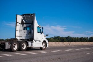 Read more about the article Bobtail Truck [What Is It? Why Is It Called a Bobtail?]