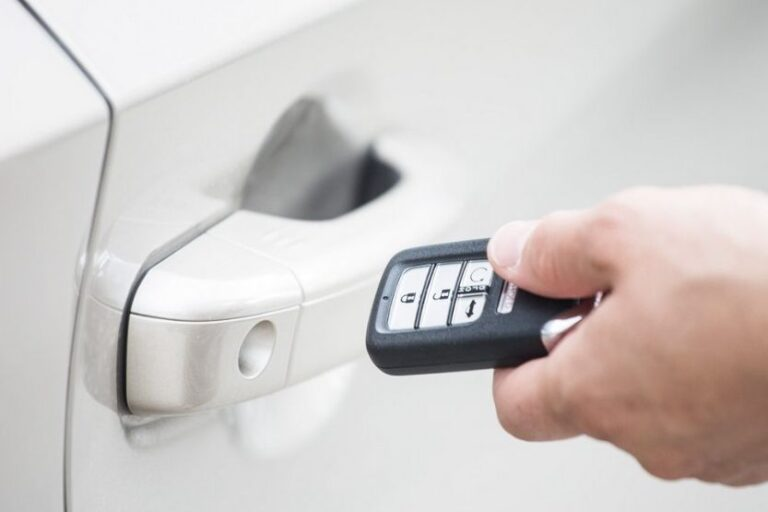 Read more about the article How to Program a Key Fob [8 Simple Steps]