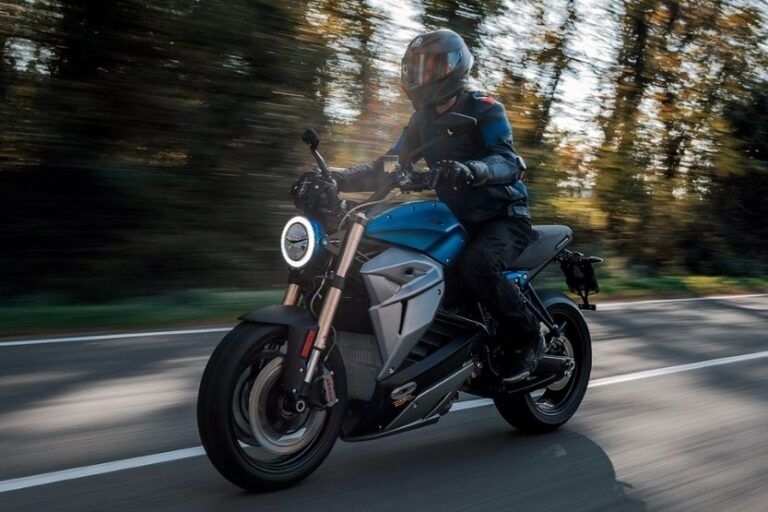 Read more about the article Best Automatic Transmission Motorcycle [Top 18]