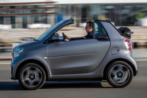 Read more about the article How Much Does A Smart Car Weigh? [Smart Car Weight]